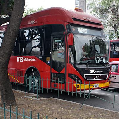 Proyectos de movilidad urbana y transporte masivo.